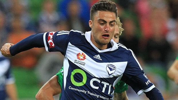 MELBOURNE, AUSTRALIA - DECEMBER 27: Jesse Makarounas (#22) of Melbourne Victory controls the ball during the round 13 A-League match between the Melbourne Victory and Newcastle Jets at AAMI Park on December 27, 2014 in Melbourne, Australia. (Photo by Graham Denholm/Getty Images)